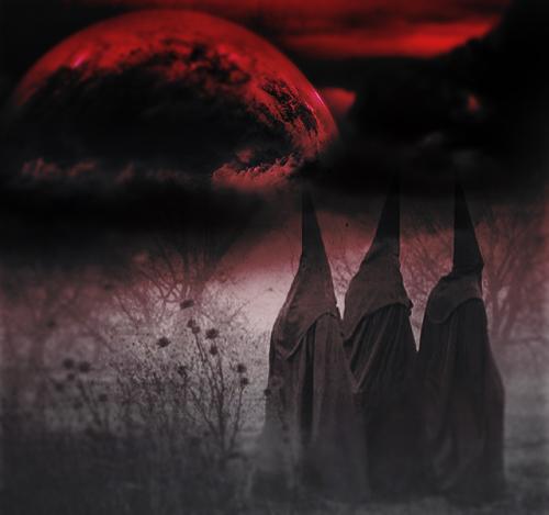Blot Monad: la luna della neve e del sacrificio